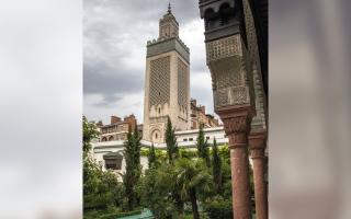 الصورة: بالفيديو.. مساجد.. «باريس الكبير».. تحفة أندلسية مخفية في العاصمة الفرنسية