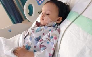 الصورة: «أبومريم» يعجز عن سداد 9500 درهم فاتورة علاج ابنته