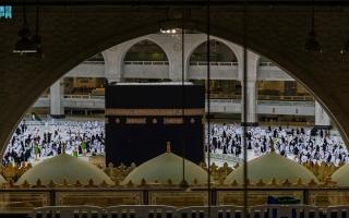الصورة: بالصور: عمرة العشر الأواخر من رمضان