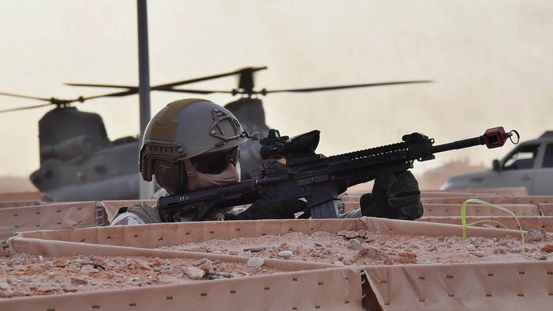 أبناء قواتنا المسلحة يجسّدون أصالة الإنسان الإماراتي.  أرشيفية