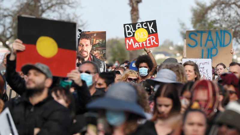 تظاهرة في أستراليا تضامناً مع مقتل جورج فلويد في أميركا.  من المصدر