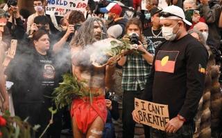 الصورة: أستراليون أصليون يفقدون حياتهم خلال الاحتجاز جرّاء جنح بسيطة