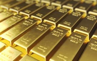 الصورة: الذهب يرتفع مع تراجع عوائد سندات الخزانة الأميركية