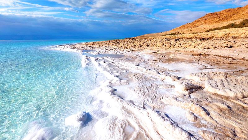 مياه البحر الميت تتراجع بمعدل متر كل عام.  أرشيفية