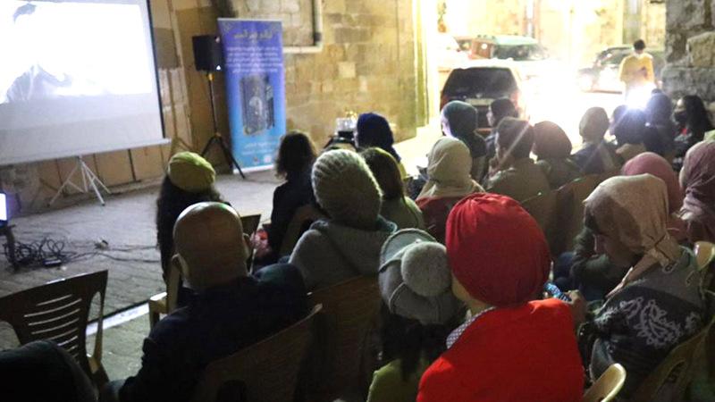 المهرجان يهدف إلى ربط السكان بجذورهم عبر الفن والثقافة.       الإمارات اليوم