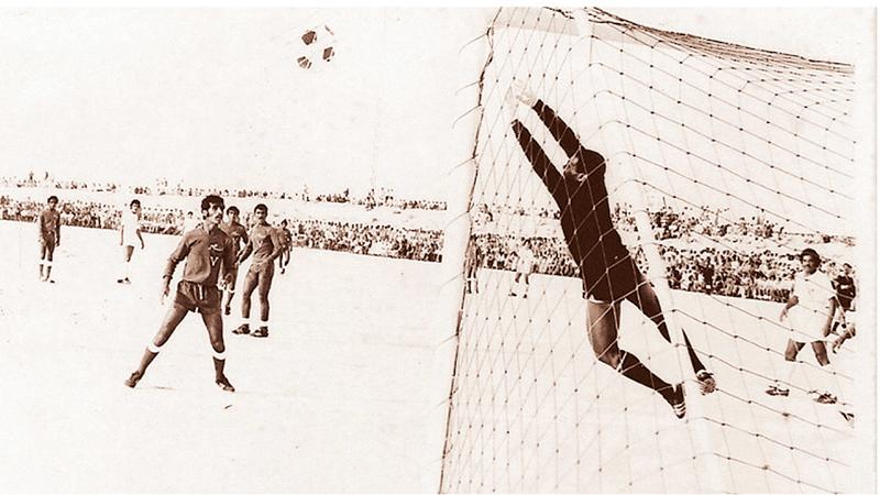الملعب الرملي شهد انطلاقة مسابقة كأس رئيس الدولة.  من المصدر