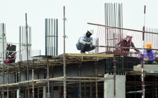 الصورة: توظيف.. إنهاء علاقة العمل بسبب «كورونا» لا يحرم العامل مستحقاته