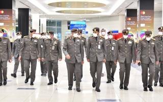 مسؤولي إقامة دبي يهنئون الموظفين في صباح أول أيام العيد