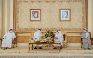 محمد بن زايد يزور حاكم الشارقة ويتبادلان التهاني بعيد الفطر المبارك