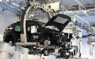 الصورة: عجز الرقائق سيلتهم 110 مليارات دولار من إيرادات صناع السيارات