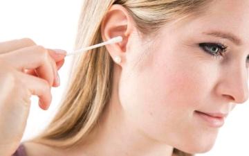 الصورة: العناية السليمة بالأذن تحمي من ضعف السمع