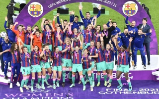بالصور: فتيات برشلونة أفضل من رجاله.. حققن ما عجز عنه ميسي ورفاقه