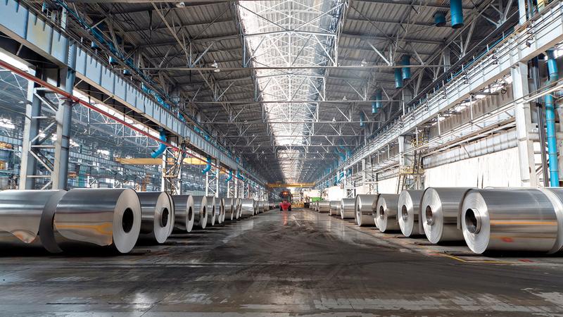 وزارة الصناعة والتكنولوجيا المتقدمة تسعى لإحداث نقلة نوعية في الصناعات الإماراتية. ■ أرشيفية