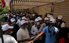 الصورة: السوريون في الخارج يبدأون التصويت في انتخابات الرئاسة