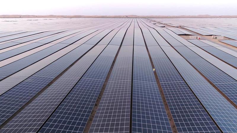 الإمارات تمكنت من زيادة استثماراتها في الطاقة المتجددة لتصل إلى مكانة رائدة بالمنطقة. أرشيفية