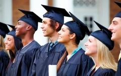 الصورة: نظام قروض الطلاب في بريطانيا «خارج عن السيطرة»