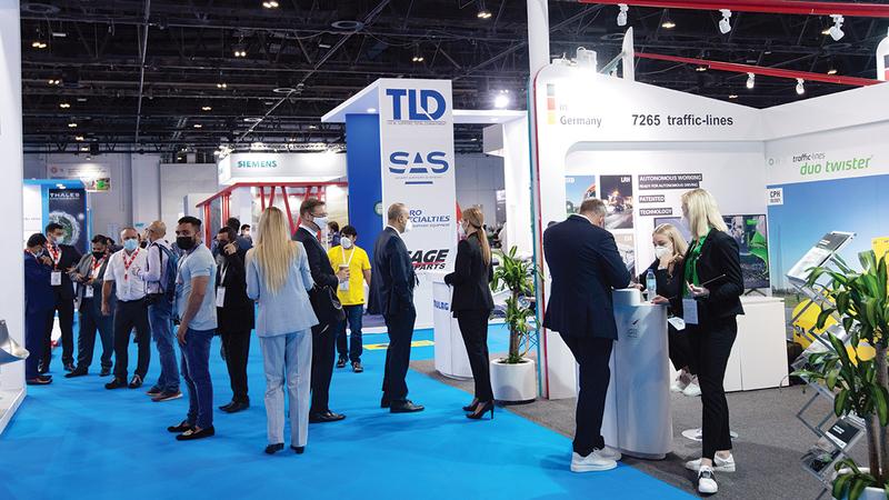 الإمارات تواصلت منذ بداية الجائحة مع المطارات وشركات الطيران للحفاظ على معايير السلامة.  تصوير: أحمد عرديتي