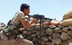 الصورة: العثور على لغم بحري في ميدي حجة.. وصد هجمات للحوثيين بمأرب