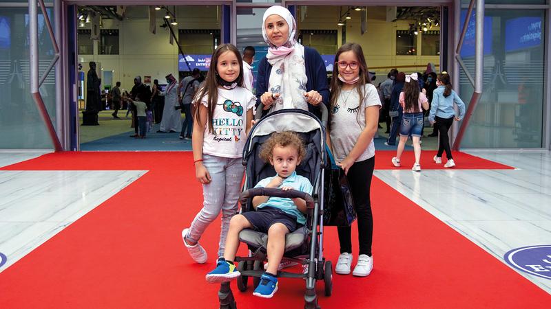 روان الجندلي جاءت المهرجان بـرفقة أبنائها مريم ومايا وريان.  من المصدر