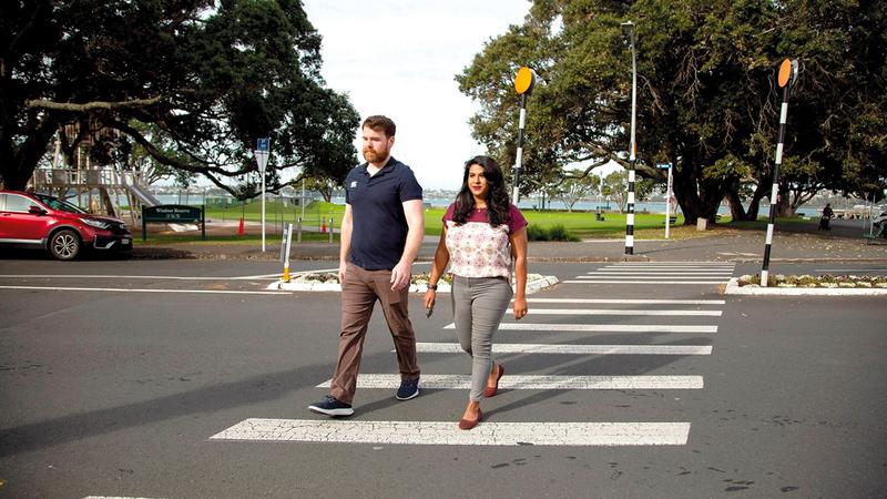 لمياء إمام مع زوجها في شوارع أوكلاند.   أرشيفية