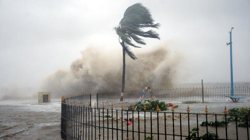 تكرار العواصف وكثافتها في المياه شمال المحيط الهندي يزدادان تحت تأثير الاحتباس الحراري وحرارة المياه.   أ.ب