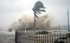 الصورة: أحداث وصور.. الإعصار «ياس» يجتاح شرق الهند.. وإجلاء أكثر من  1.2 مليون شخص