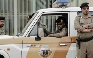 الصورة: ضبط 70 شخصاً في تجمع مخالف بقاعة أفراح سعودية