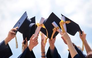 """الصورة: بالفيديو.. تعرف إلى إجراءات تنظيم حفل التخرج لطلبة """"الثانوية"""""""