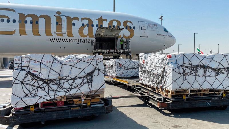 طائرة شحن المساعدات غادرت مطار دبي الدولي متوجهة إلى العاصمة دكا.   من المصدر