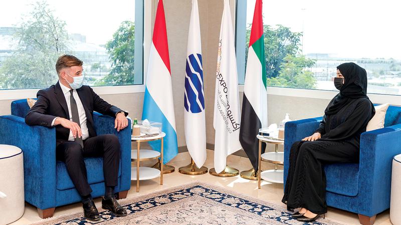 الهاشمي خلال استقبالها وزير التعاون التنموي في لوكسمبورغ.   من المصدر