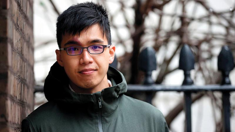 أحد الشباب اللاجئين الذين عانوا الإغلاق في بريطانيا.  أرشيفية