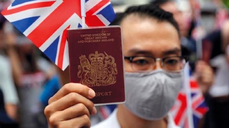 يحق لكل الذين ولدوا في هونغ كونغ قبل تسليمها للصين العيش في بريطانيا.   أرشيفية