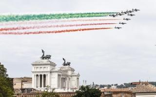 الصورة: بالصور.. بهجة إيطالية استثنائية بعد عام على الحظر