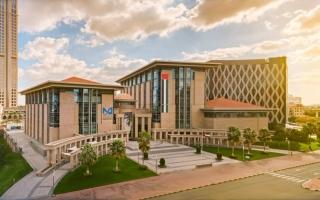 جامعة محمد بن راشد للطب تقدم منحاً دراسية خاصة للممرضين دعما لخط الدفاع الأول thumbnail