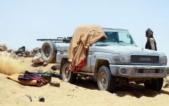 الصورة: قوات الشرعية تتصدى لهجمات «حوثية» في خمس محافظات يمنية