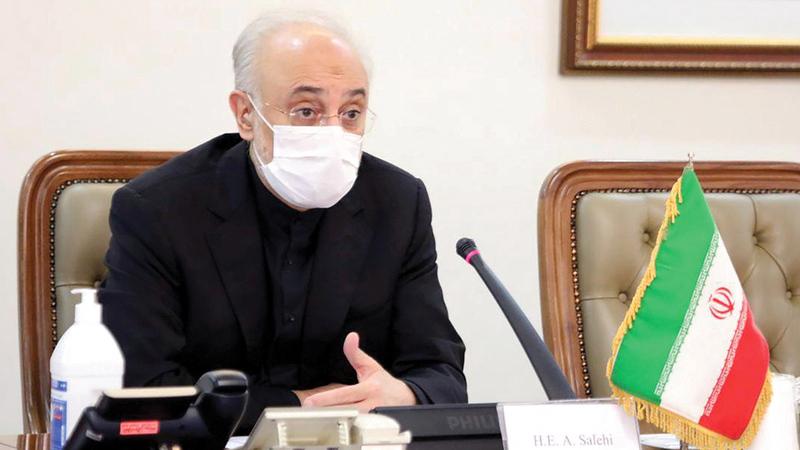 تفاخر صالحي أمام وسائل الإعلام الحكومية ببعض الطرق التي تمكنت منظمته وفقها من خداع المجتمع الدولي.   رويترز