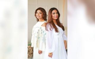الصورة: نادية ولبنى الزكواني: في دبي صنعنا فساتين من الأصداف والمشمش