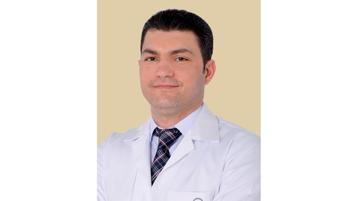 الدكتور قاسم أحمد