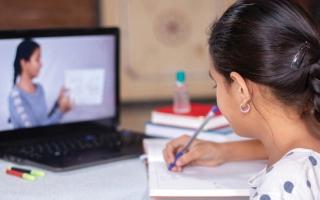 الصورة: مدارس خاصة تبتكر أساليب جديدة تحدّ من الغش