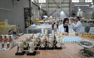 الصورة: مصنع يستنسخ كنوز مصر العتيقة بجودة عالية