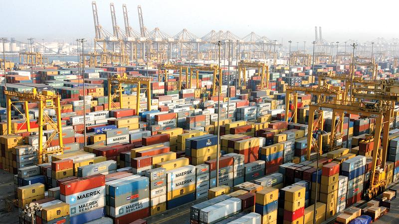 التجّار والمستثمرون استفادوا من الدور الحيوي لدبي مركزاً دولياً وإقليمياً للتجارة العالمية.   الإمارات اليوم