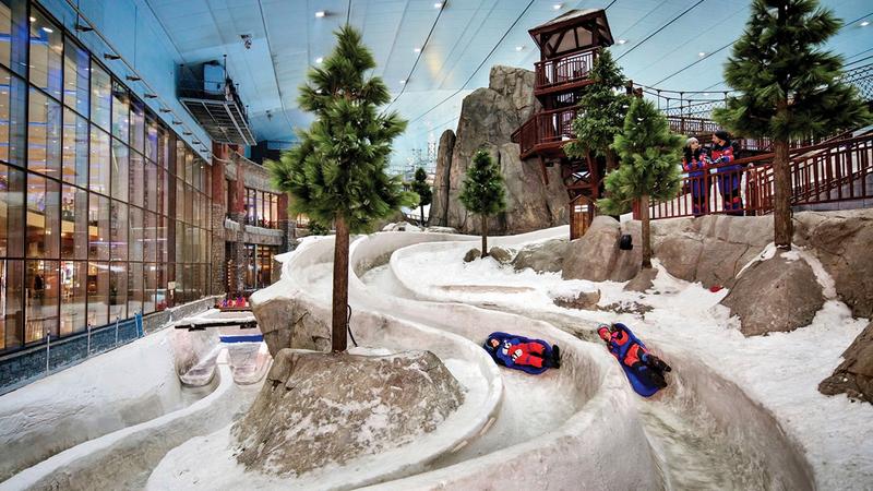 «سكي دبي» يضم 5 مسارات تزلج بأطوال ومستويات صعوبة متفاوتة.   من المصدر