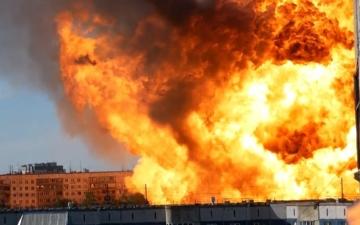 الصورة: بالفيديو.. انفجار مروع لمحطة وقود يغطي مساحة 1200 متر