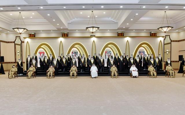الصورة: أحمد بن محمد يشهد العرس الجماعي لــ 51 عريساً من شرطة دبي