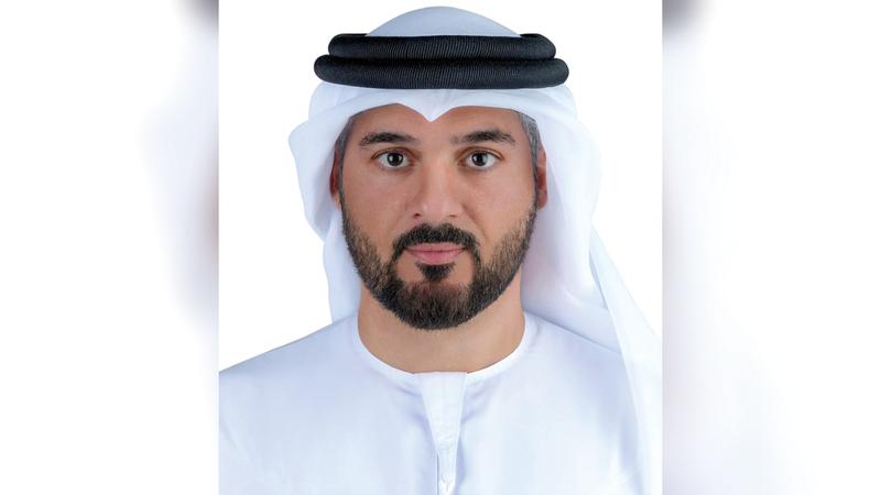محمد الحاج: «موظفون يساعدون المتسوقين الذين يواجهون صعوبات في إظهار نتيجة الفحص».