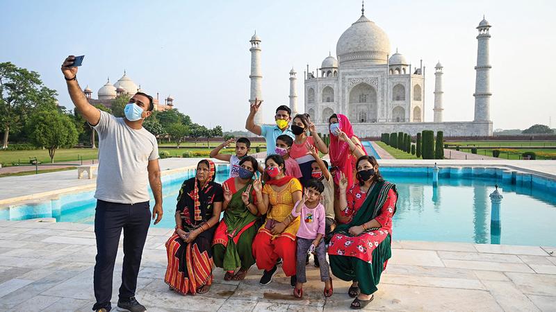تاج محل أبرز مَعلم سياحي في الهند.   أ.ف.ب