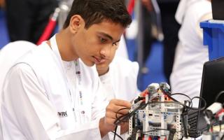 الصورة: «التعليم والمعرفة» تفتح التسجيل في المسابقة الوطنية لأولمبياد الروبوت
