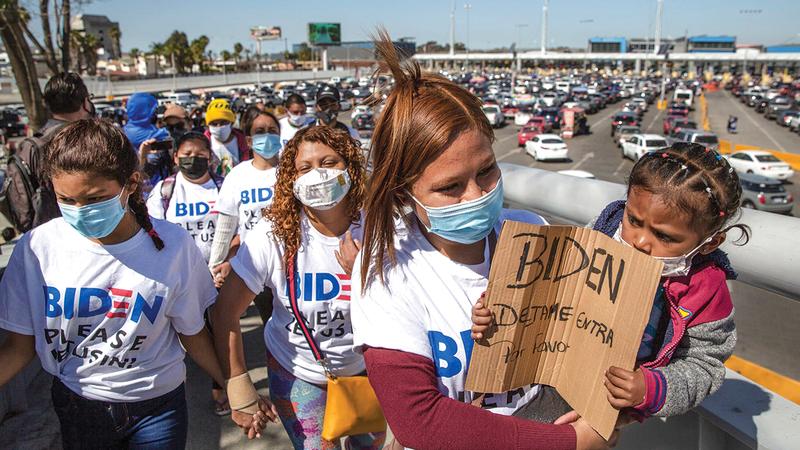 مهاجرون مكسيكيون يطالبون بايدن بفتح باب الهجرة والسماح بلمّ شمل العائلات.   أرشيفية