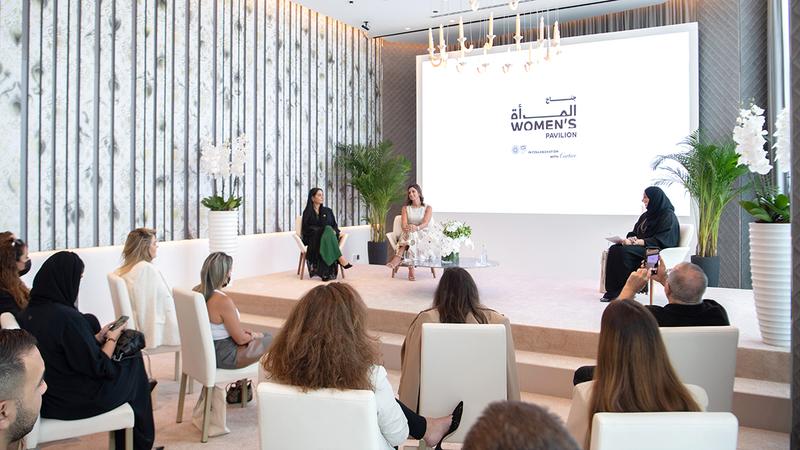 خلال اللقاء الصحافي للإعلان عن تفاصيل جناح المرأة في «إكسبو 2020 دبي». الإمارات اليوم
