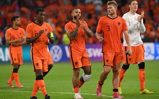 الصورة: هولندا تلحق بإيطاليا وبلجيكا إلى ثمن النهائي الأوروبي